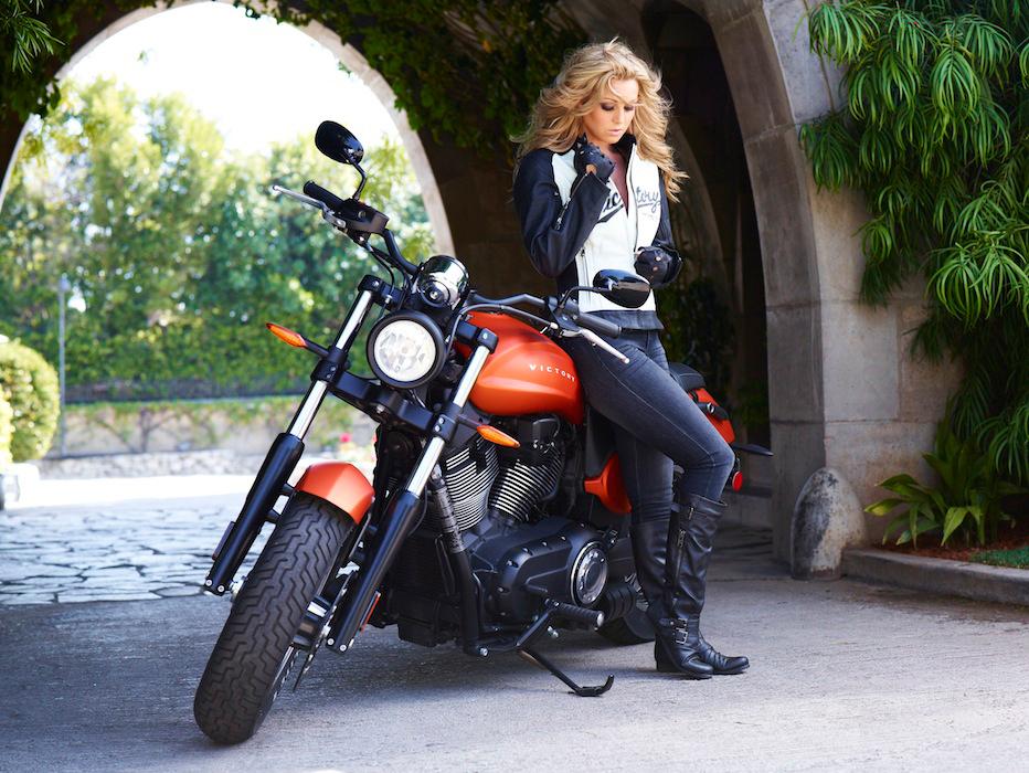 girl-bikers3